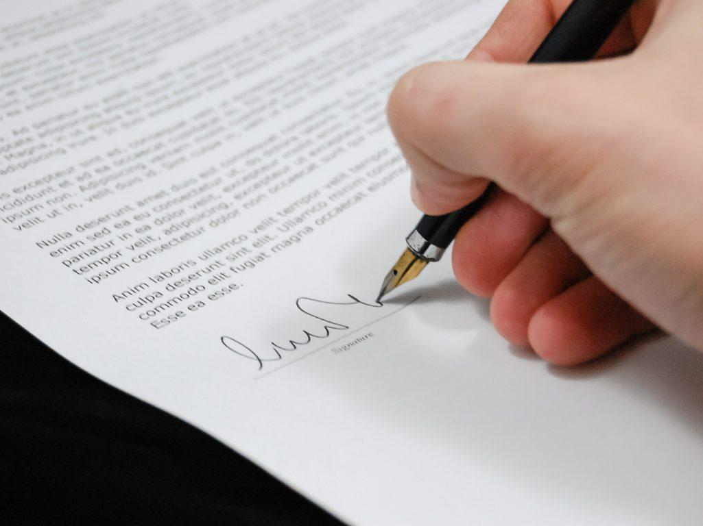 Due diligence - Signature